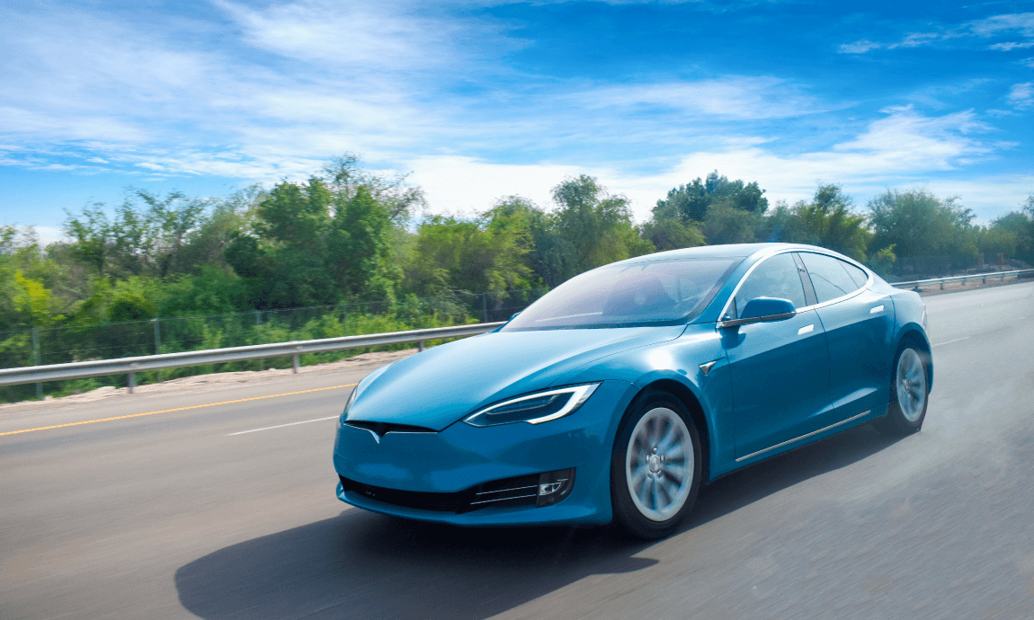 Tesla shares climbed to $1.400 on strong Q2 deliveries