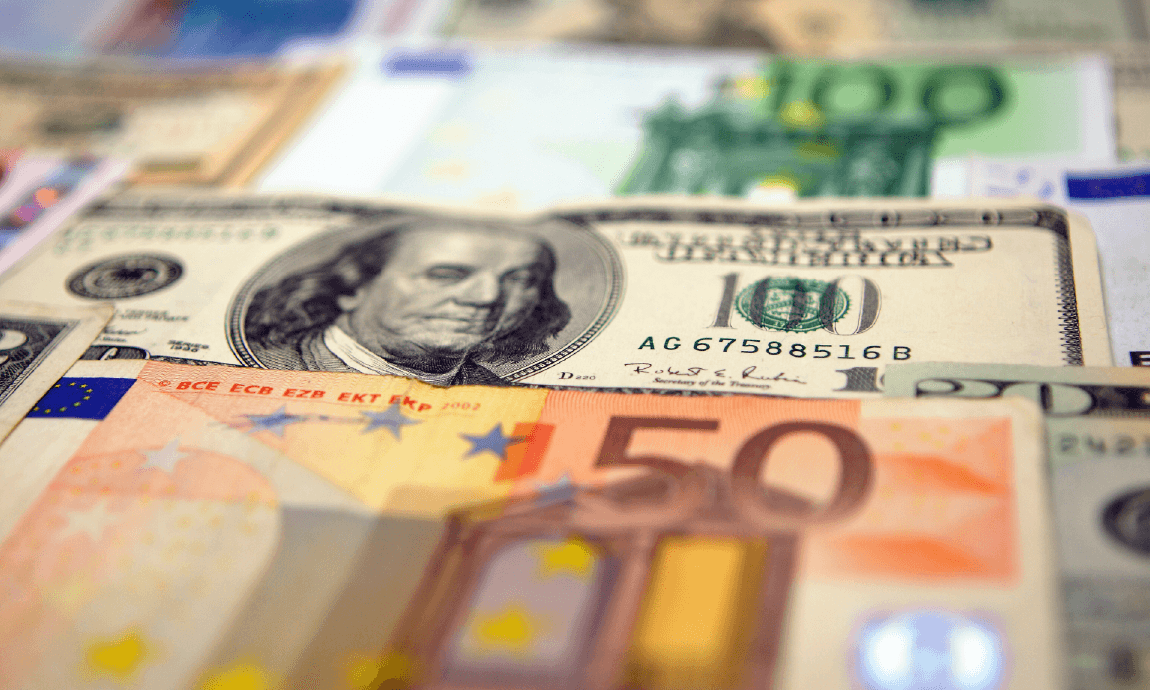 Euro retests yearly lows of $1,17 on stronger US dollar and Covid worries