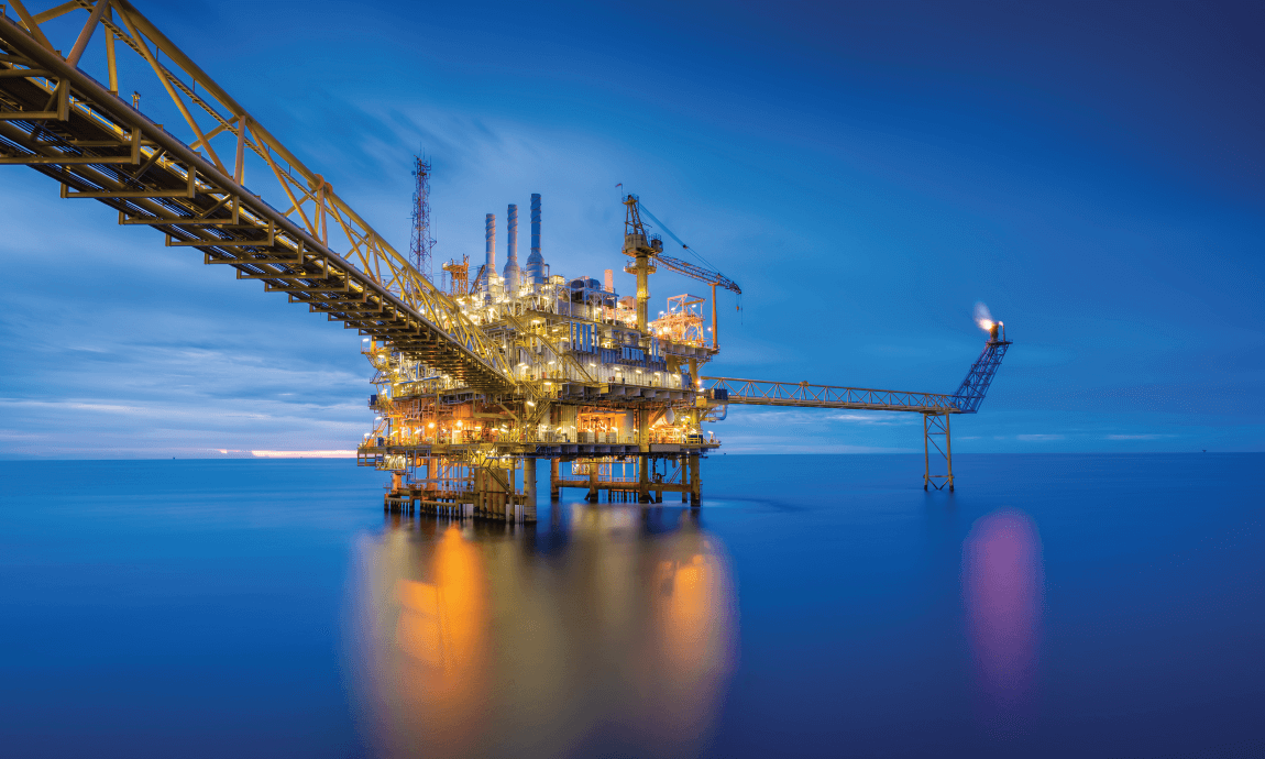 Brent oil falls 1% after Saudi's Aramco cuts prices to Asian customers